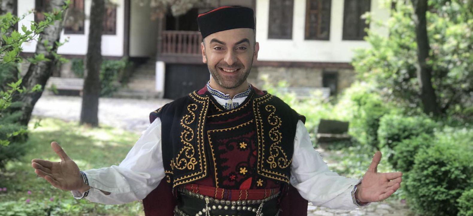 Емблематична македонска песен от днес в ефира на Фен Фолк ТВ