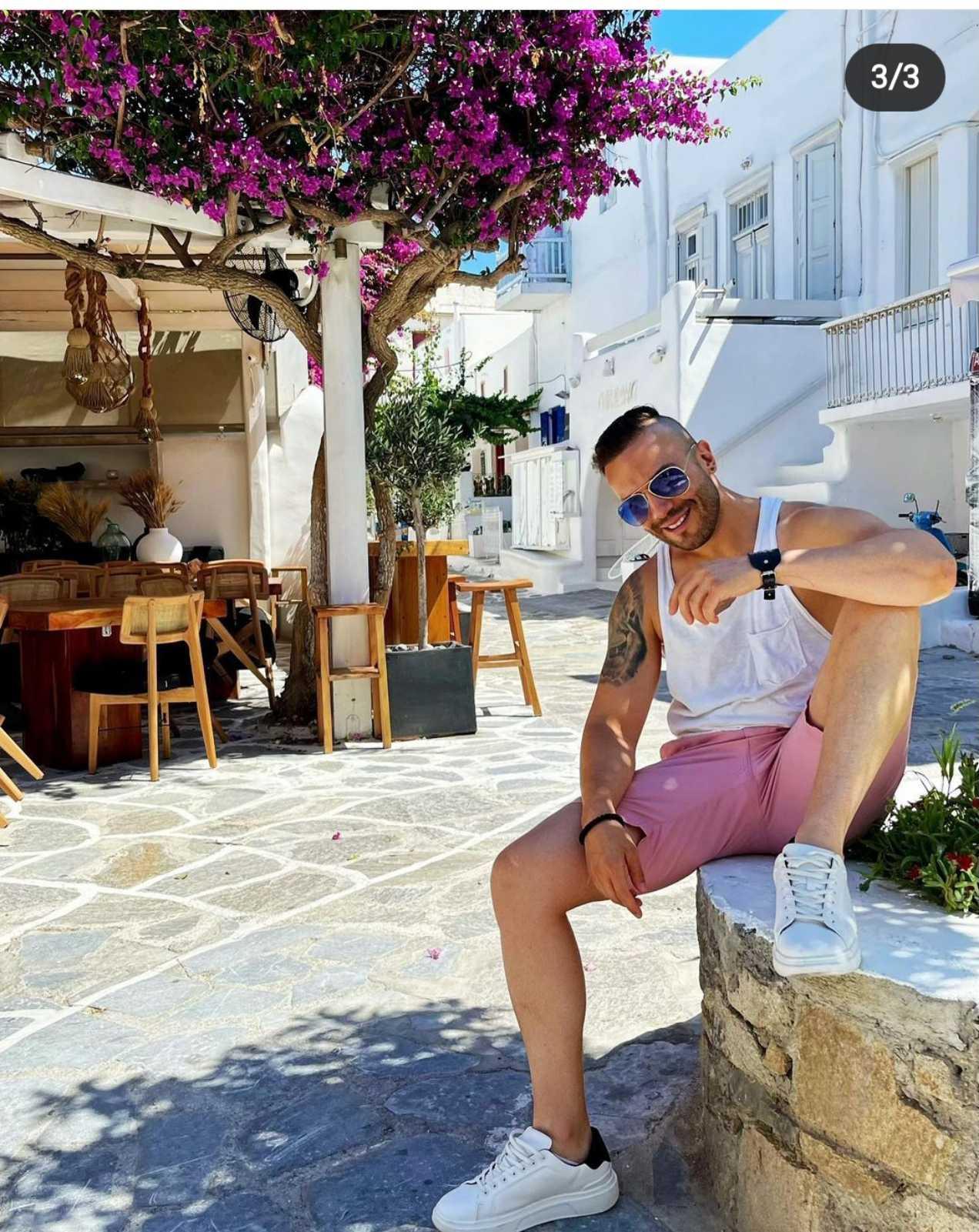 Крум на почивка в Миконос (Снимки)